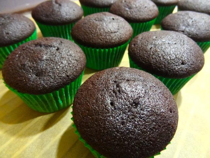 Chocolate Irish Cream Cupcakes 7