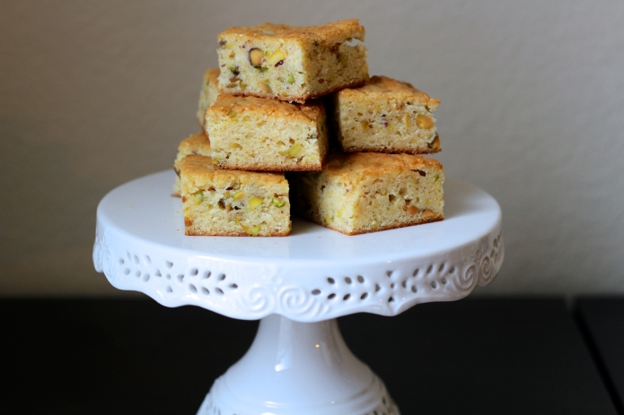 Lemon Pistachio Blondies - 20