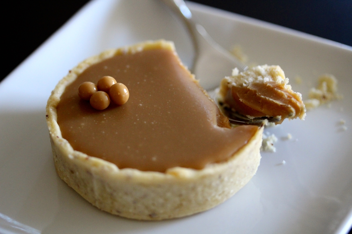 Adventures in French Pastry: Blonde Chocolate Tarts