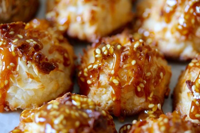 Salted Sesame Caramel Macaroons - 17